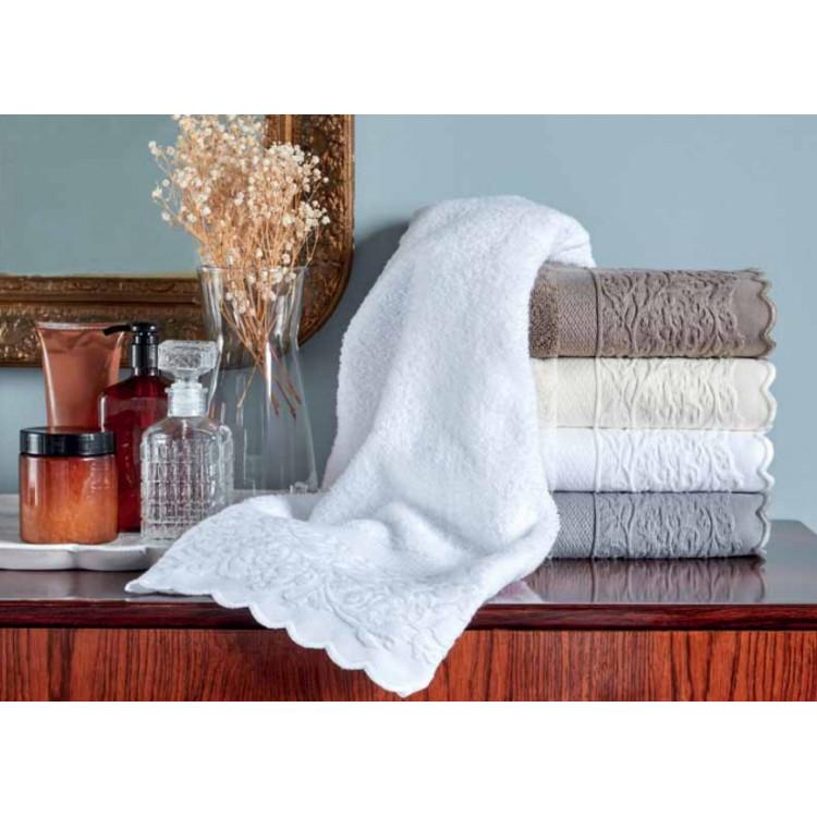 Serviette de toilette romantic keria c o monteleone - Analyse de pratique toilette au lit ...